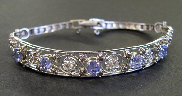 767: Gold, Ceylon Sapphire and Diamond Bracelet