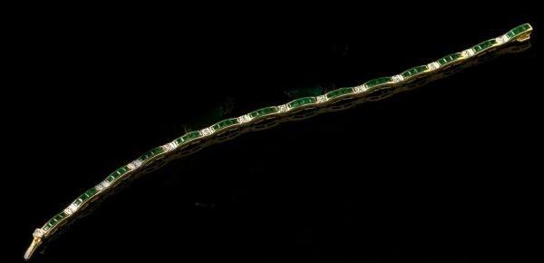 770: Gold, Emerald and Diamond Bracelet