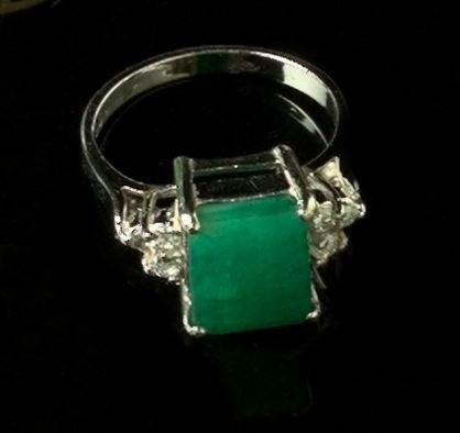 773: Gold, Emerald and Diamond Dinner Ring