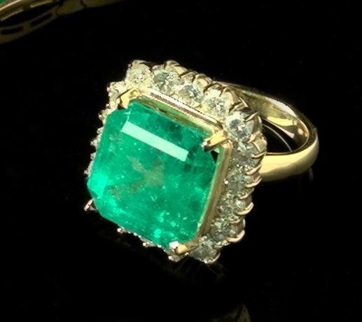 774: Emerald and Diamond Dinner Ring