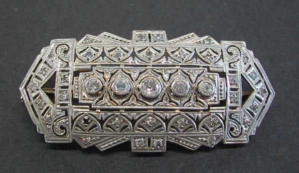 724: Platinum and Diamond Art Deco Brooch