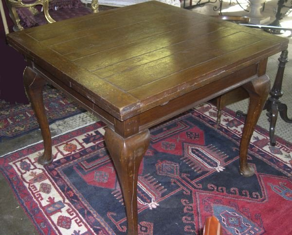 12: English Queen Anne-Style Quarter-Sawn Oak Table