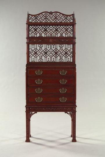 18: George III-Style Mahogany Etagere,