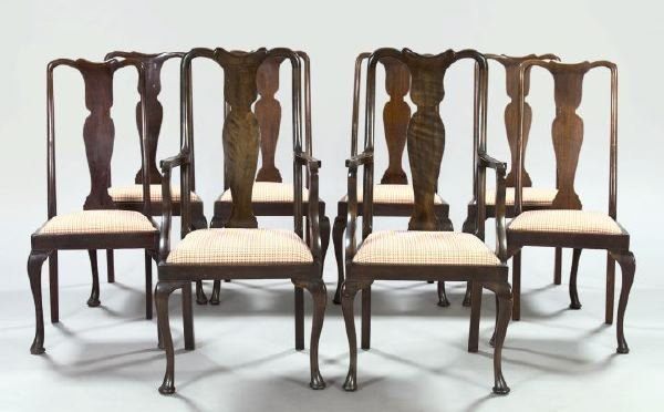 22: American Queen Anne-Style Mahogany Chairs