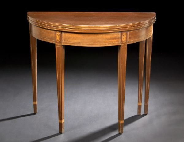 24: Hepplewhite-Style String-Inlaid Mahogany Table