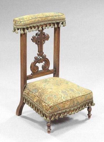 752: Napoleon III Carved Fruitwood Prie-Dieu,