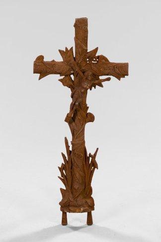 751: Large Continental Iron Garden Cross,