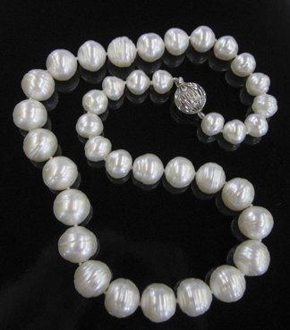 770: Single-Strand South Sea Pearl Necklace