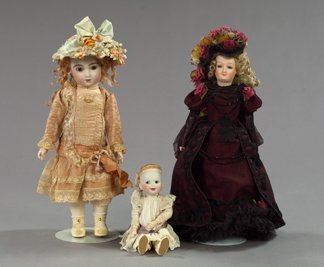 1341: Set of Three Artist Dolls,