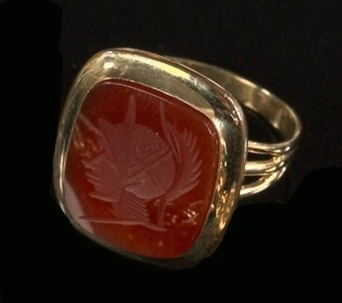 709: Yellow Gold and Carnelian Intaglio Gentleman's Rin