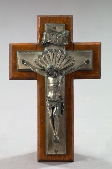 805: Continental Bronze Argente and Oak Crucifix,