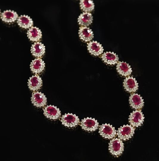 817: Gold, Ruby and Diamond Necklace