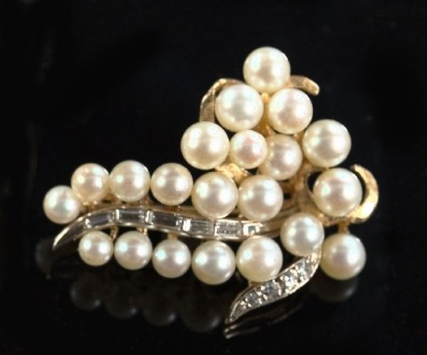 820: Gold, Pearl and Diamond Grape Cluster Brooch