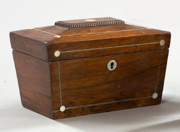 15: Georgian Rosewood Double-Compartment Tea Box