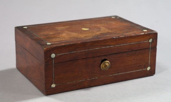 18: English Mother-of-Pearl-Inlaid Rosewood Table Box