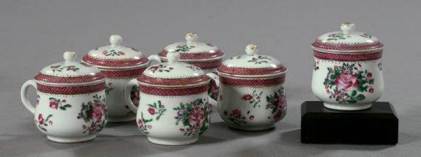 18: Chinese Export Porcelain Covered Pots-de-Creme