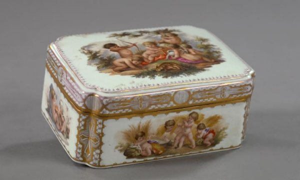 745: Unusual Gilt-Brass-Mounted Meissen Porcelain Box