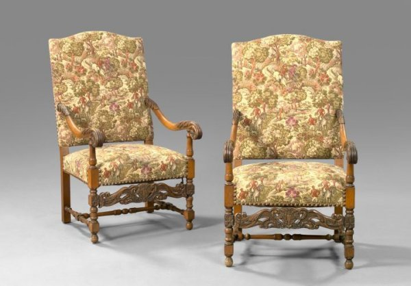 13: Pair of Regence-Style Oak Fauteuils a la Reine