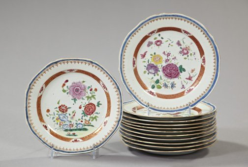 8: Set of Twelve Chinese Export Porcelain Plates