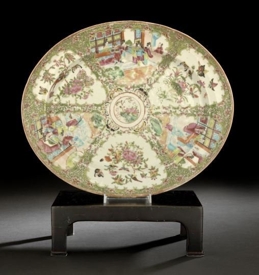 32: Large Chinese Export Porcelain Oval Platter,