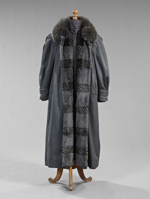 841: Good Gray Fabric Lady's Coat,