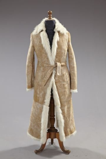 845: Gucci Pale Beige Suede Lady's Coat,