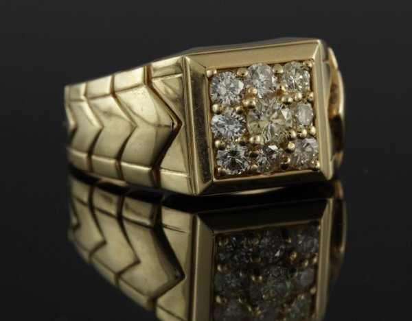 848: Yellow Gold and Diamond Gentleman's Ring