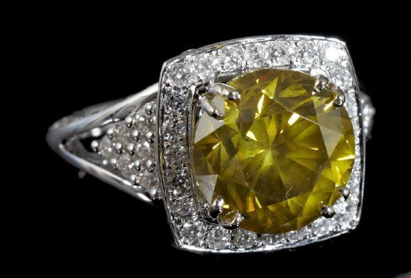 840: Gold and Fancy Yellow Diamond Lady's Ring