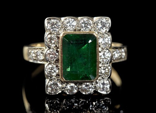 844: Gold, Emerald and Diamond Vintage Ring