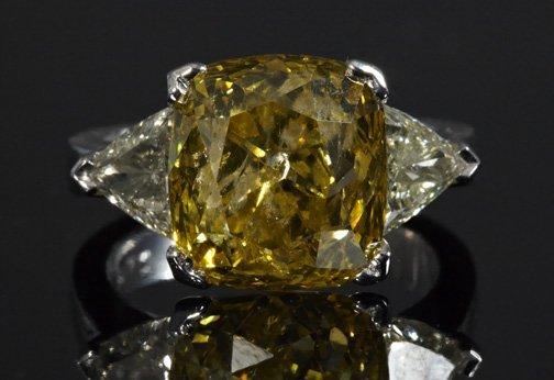 822: Yellow and White Diamond Lady's Ring
