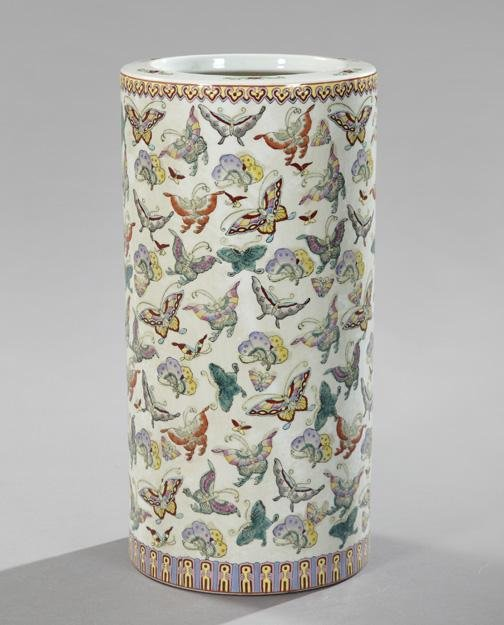 147: Large Kuang Hsu Porcelain Umbrella Stand,