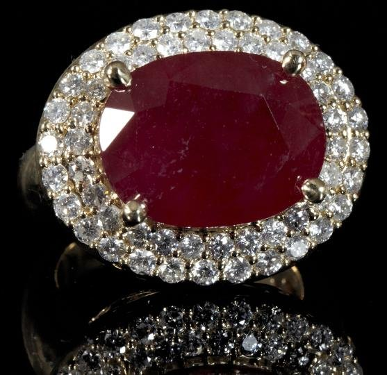 862: Gold, Ruby and Diamond Lady's Dinner Ring