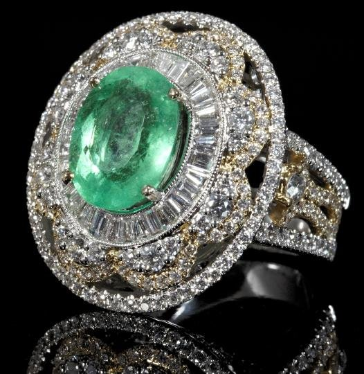 865: Gold, Emerald and Diamond Lady's Dinner Ring