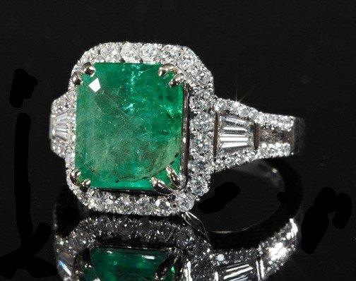 868: Gold, Emerald and Diamond Lady's Ring