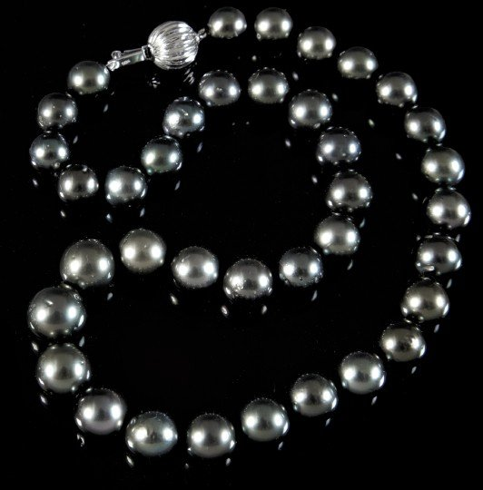 870: Tahitian Cultured Black Pearl Necklace