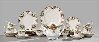 633: Forty-One-Piece Royal Albert, Staffordshire,