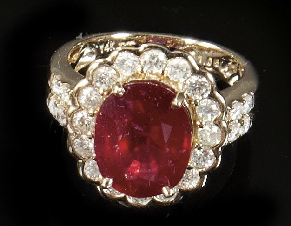 818: Gold, Ruby and Diamond Lady's Ring