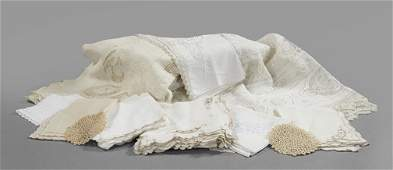 1231 Collection of Miscellaneous Table Linens