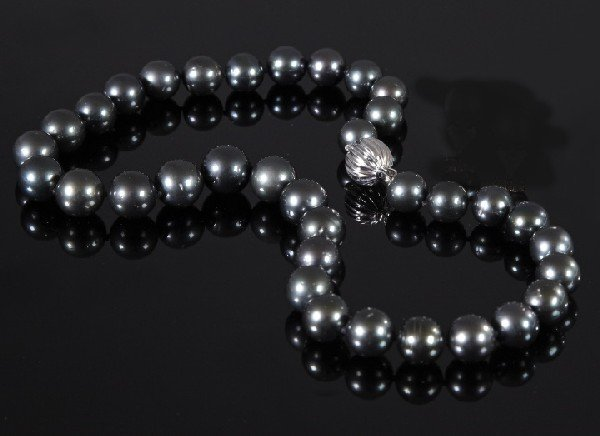 745: Tahitian Cultured Black Pearl Necklace,