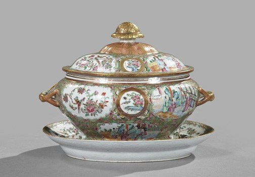 6: Chinese Export Porcelain Soup Tureen and Stand