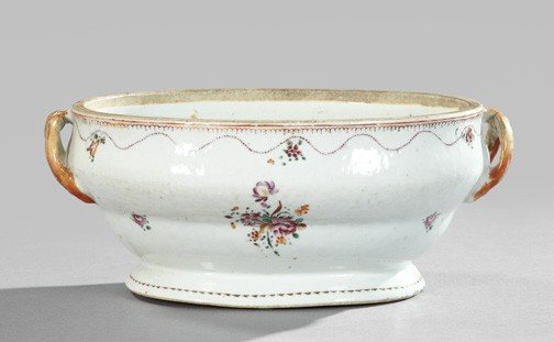 17: Chinese Export Porcelain Tureen,