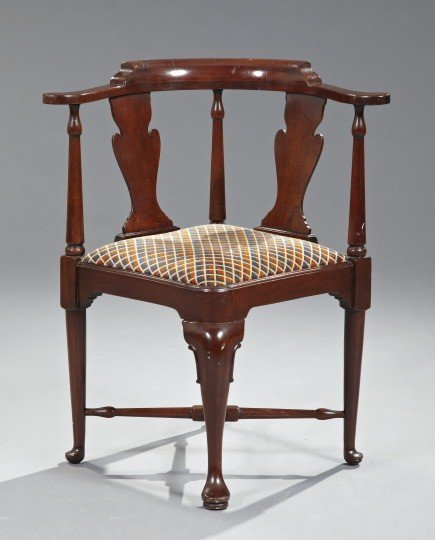 18: Queen Anne-Style Mahogany-Stained Corner Chair