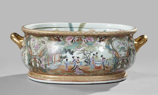 24: Chinese Polychromed Porcelain Foot Bath,
