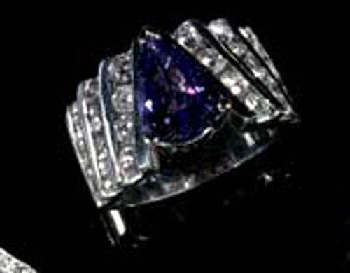 619: WHITE GOLD, TANZANITE, DIAMOND RING