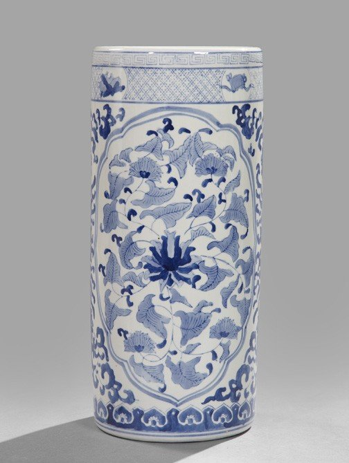 20: Chinese Porcelain Umbrella Stand