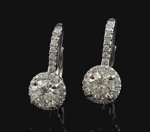 767: White Gold and Diamond Earrings
