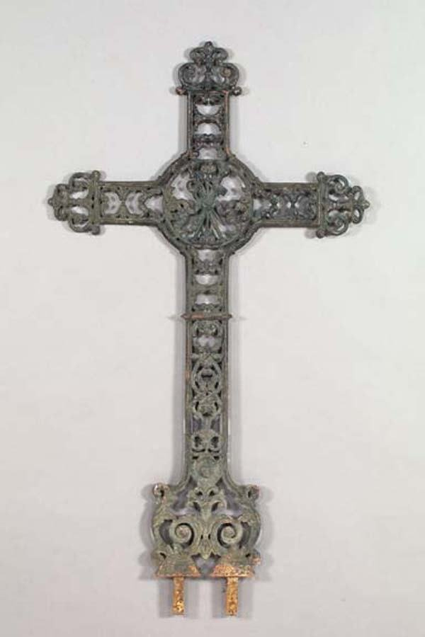 711: CAST IRON CROSS