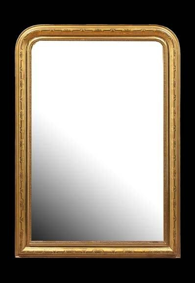 603: French Carved Giltwood Overmantel Mirror