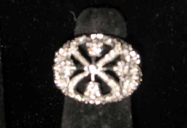 1252: Fourteen-Karat White Gold and Diamond Openwork Do