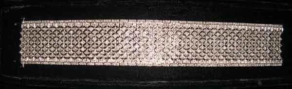 1253: Fourteen-Karat White Gold and Diamond Cuff Bracel